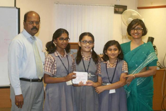 Winners of the wordathon 2015: Bhavan's Rajaji Vidyashram posing with Ajeeth Sir and Jayshree Ma'am